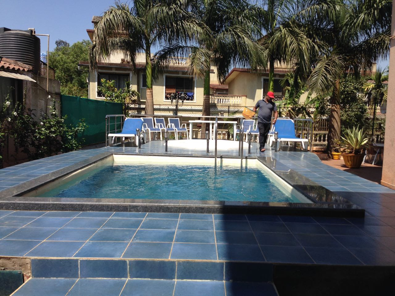 Swimming pool (common)