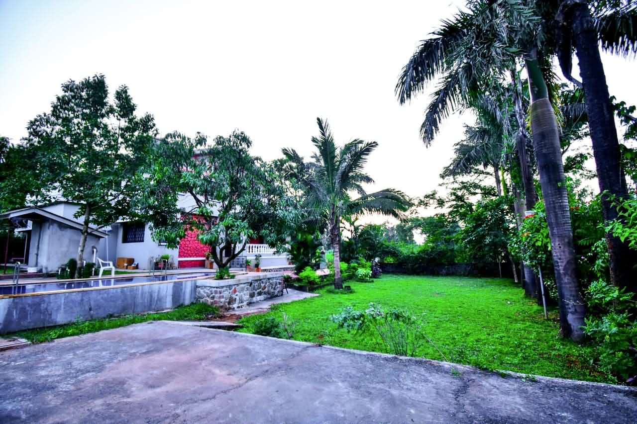 Lawn beside the Villa