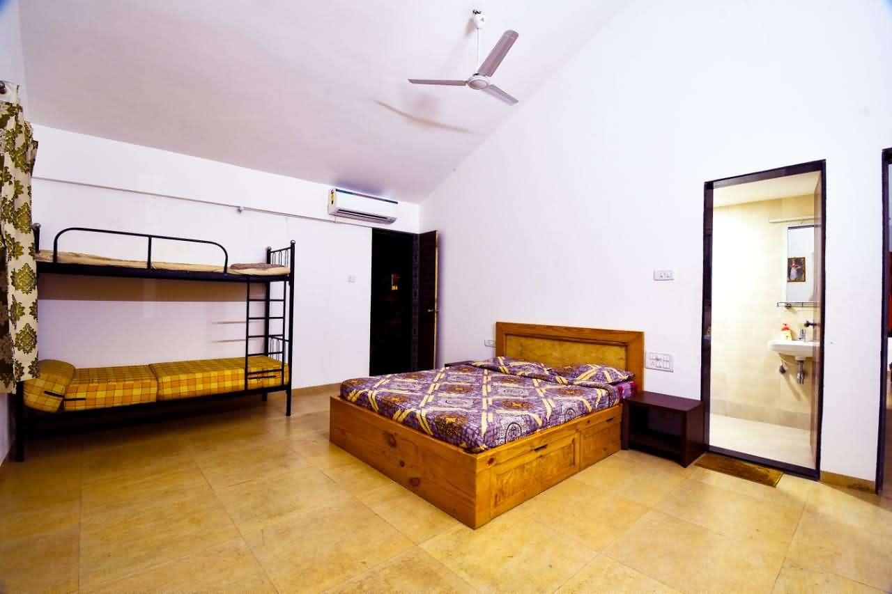 Bedroom with Bathroom & Extra sleeping arrangement