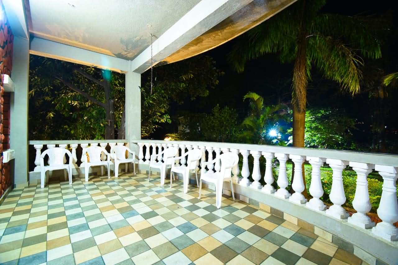 Villa passage view