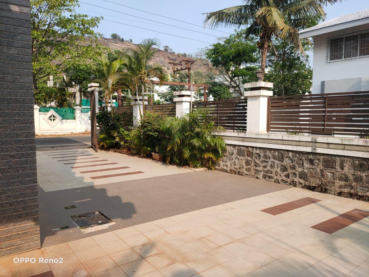 Villa Entrance passage